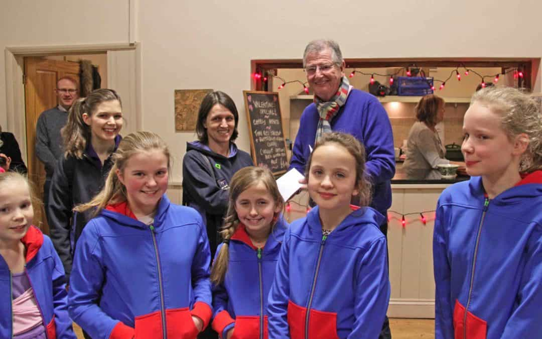 1st Adderbury Guides receive £200